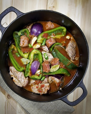 Gryte med chorizo og svinekjøtt