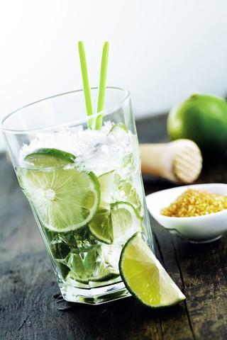 Drinkoppskrifter og cocktail