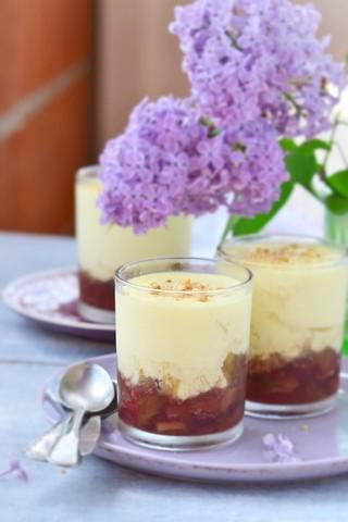 Rabarbragrøt med vaniljesaus
