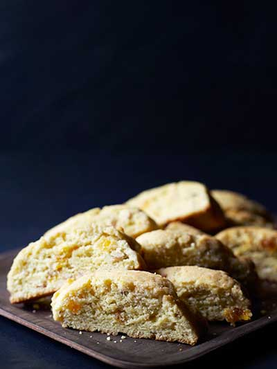 Biscotti med aprikos