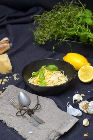 Spaghetti med sitron og hvitløk