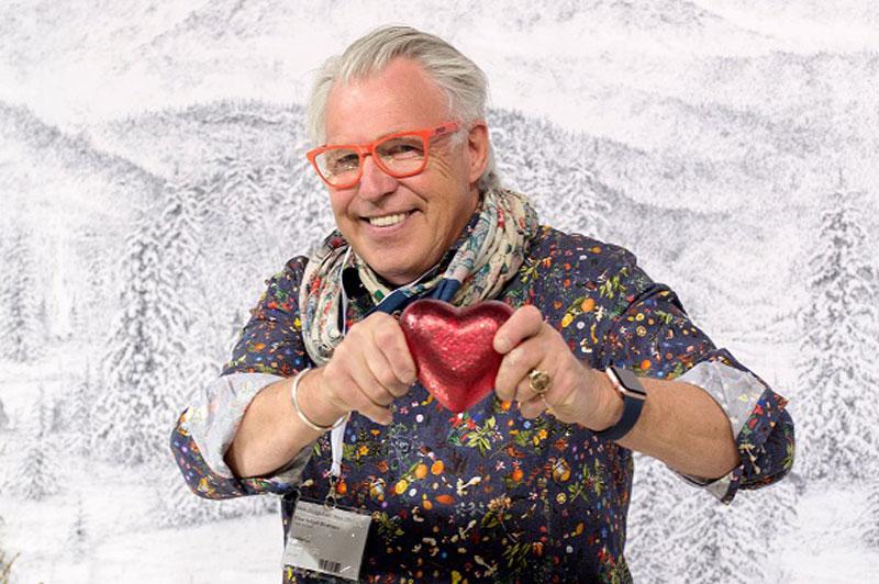 – Et hjerte er et hjerte, sier Finn Schjøll.