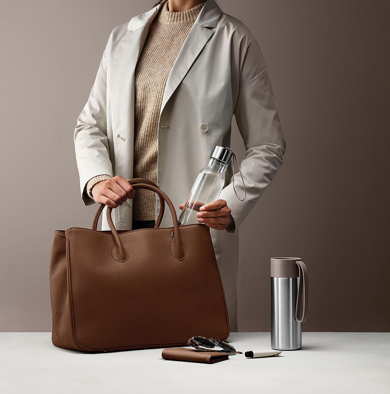 Vannflasker selger Eva Solo mye av. Både vannflasken og den portable kaffekoppen kommer i nye delikate farger.
