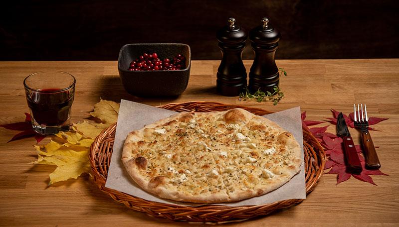 Hvitløksbrød pizza