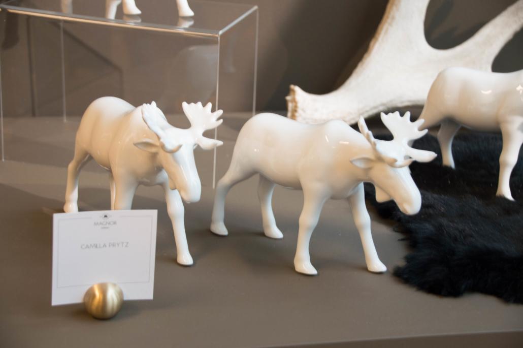 Enkle, hvite porselens elger fra Camilla Prytz.