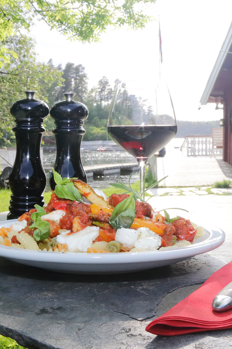 Spicy vegetar pasta i tomatsaus